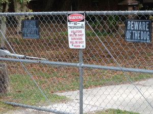 Warning No Tresspassing Sign